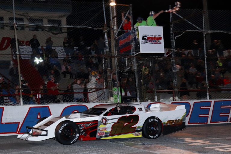 Who Wants to be the Leader? Grill Gets Third Derby Mod Victory